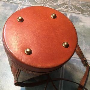 Dooney & Bourke Bags - Vintage Dooney and Bourke Bucket Bag